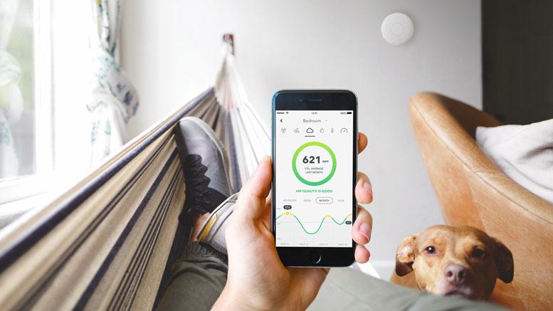 airthings merilci zraka, merjenje zraka, slab zrak v stanovanju ,radon v zraku